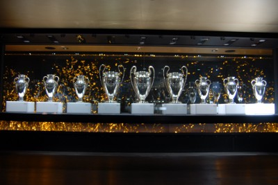 Madrid, 2014, Tour Bernabéu. Also Pokale haben die ohne Ende.