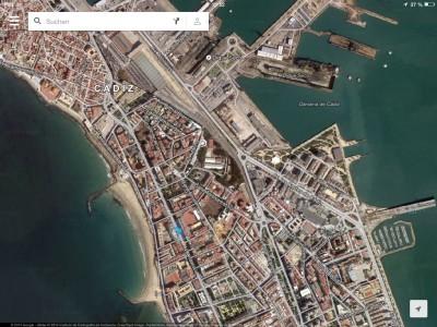 Cádiz, 2014, So siehts aus: der blaue Punkt ist ungefähr der Ort meines Hotels. Direkt um die Ecke gibts einen wunderschönen Strand. yippie!